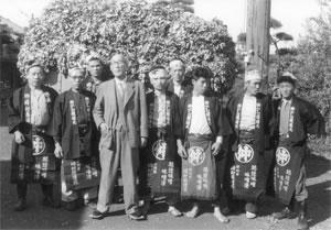 峰村醸造の創業当初の従業員